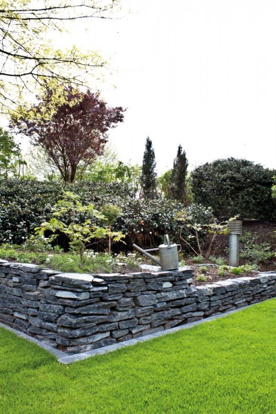 Mauerstein | Schiefer schwarz teilweise gespalten | Maße ca. 15-40 cm